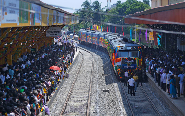 Ethnic Tamils gathered on Oct. 13 to welcome the Queen of Jaffna as it arrived at its northern terminal in Sri Lanka after being out of service for 24 years.