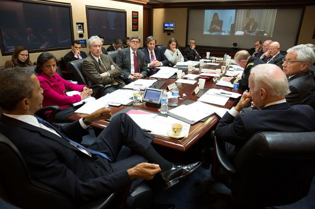 English: President Barack Obama convenes a National Security Council meeting in the Situation Room of the White House to discuss the situation in Ukraine, March 3, 2014.