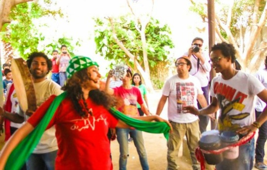 Street Carnival performing in Cairo Location: Association for the Protection of the Environment, Zabaleen neighborhood, Mansheyat Nasser. (Photo: Kirllos Yousif)