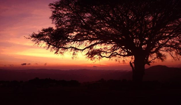Ngorongoro-Crater-Sunrise-lge
