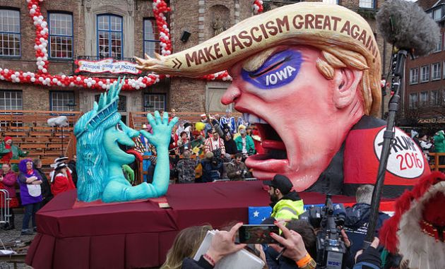 Parade float photographed in Düsseldorf, Germany By Kürschner (talk) 11:37, 8 February 2016 (UTC) (Own work) [Public domain], via Wikimedia Commons